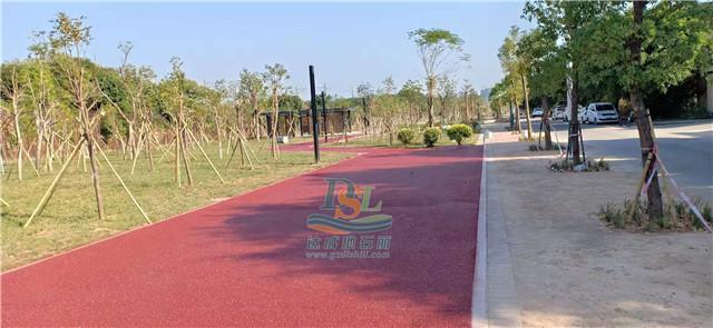 生态彩色透水混凝土路面
