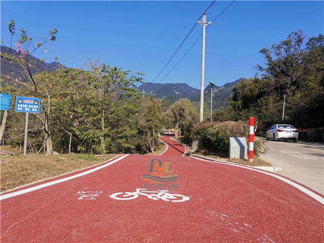 增城区白水寨红色透水地坪项目